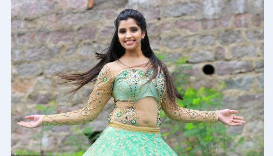 Telugu Hot Anchor Shyamala