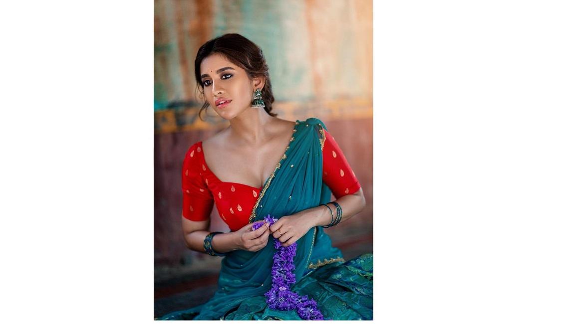 నరాలు తెంపేస్తున్న నభా నటేశ్.. Nabha Natesh Kasak Gallery